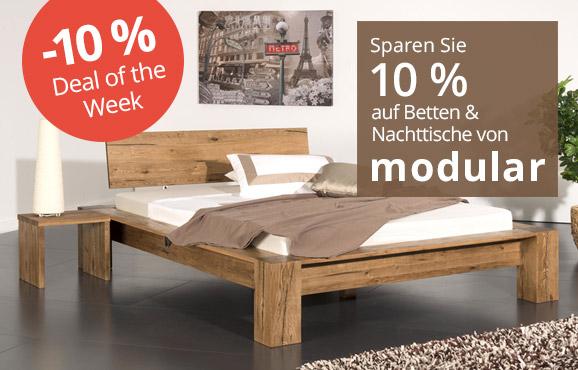 Betten, Nachttische und Kommoden von Modular